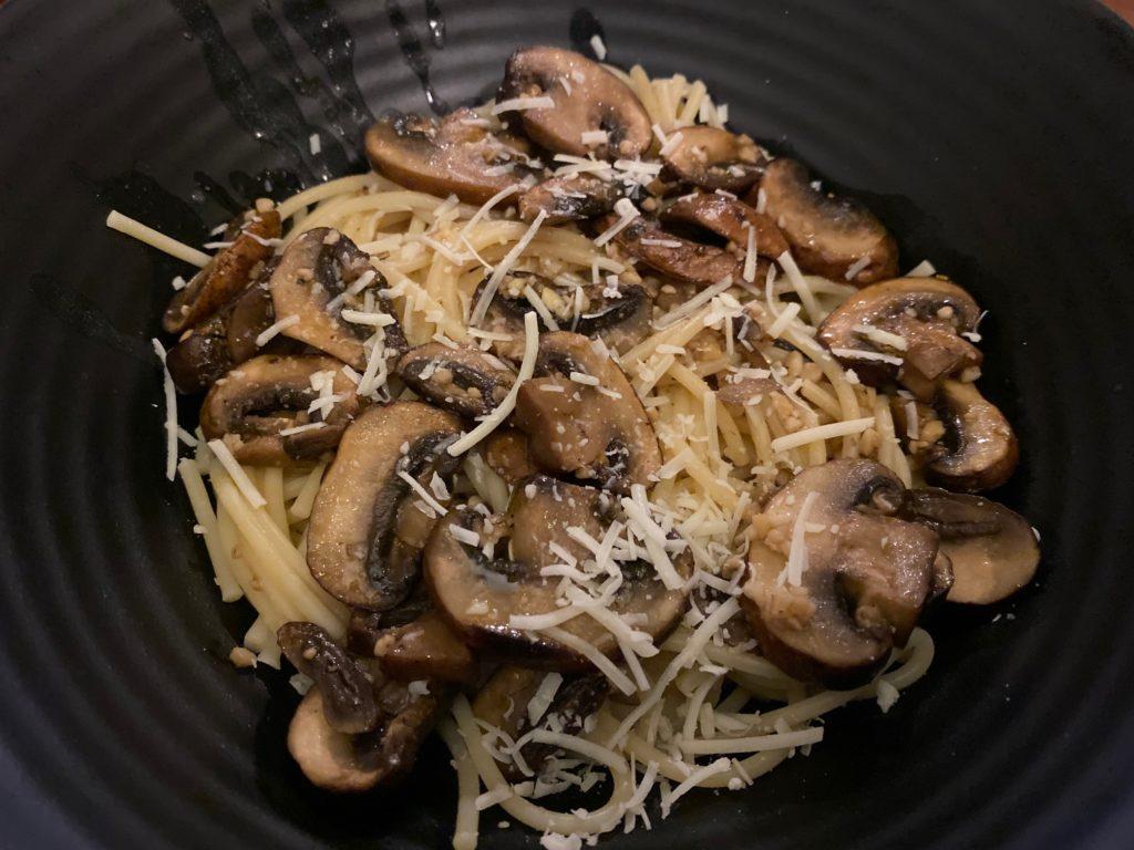 Mushroom Garlic Spaghetti